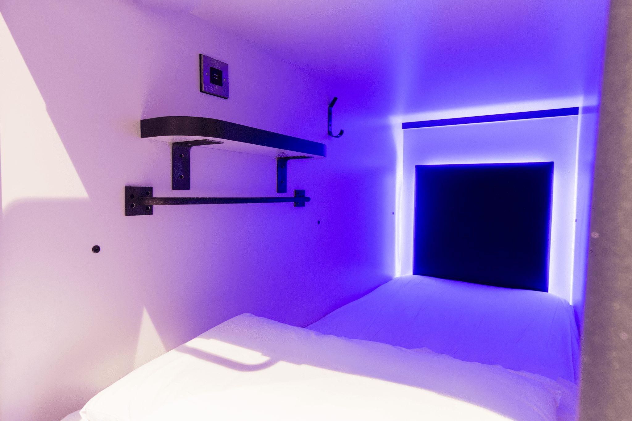 code pod hostel beds, capsule hostel in edinburgh, capsule hostel in dublin